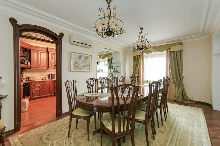 Шторы в гостиную с ламбрекеном в современном стиле