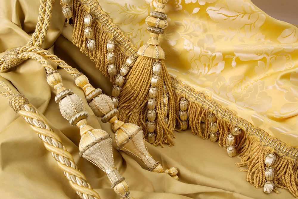 Эксклюзивные ткани и аксессуары для штор