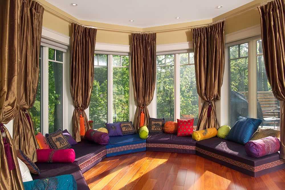 Качественные шторы для загородного дома на заказ