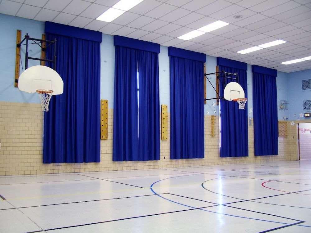 Шторы для спортивных сооружений