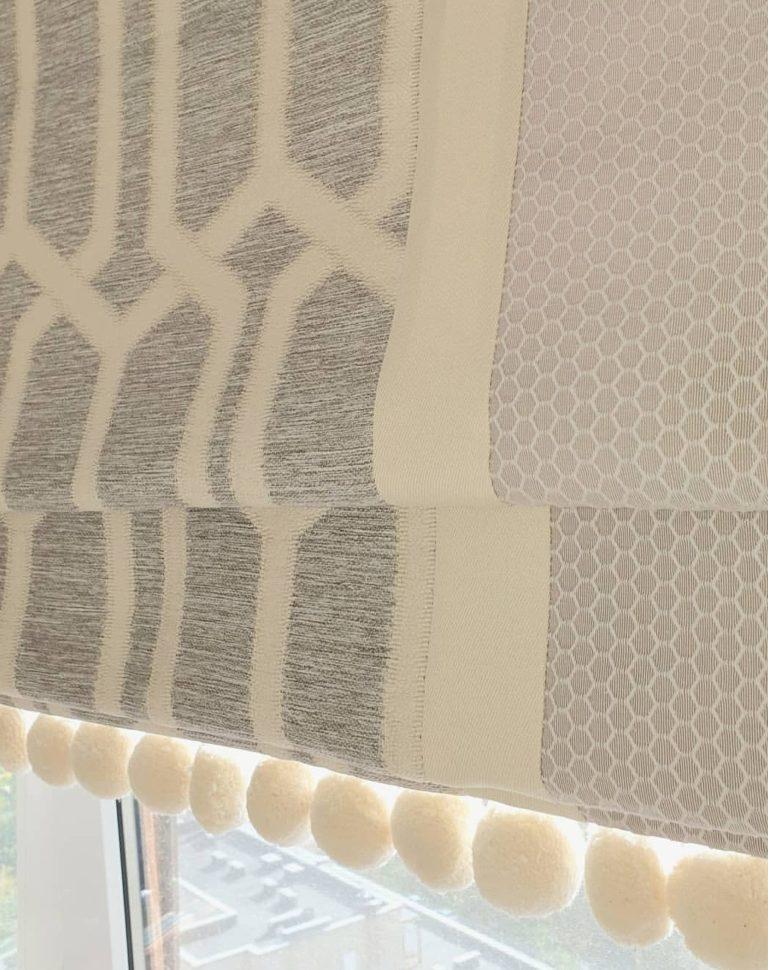 фото римской шторы на кухне с заказом в москве