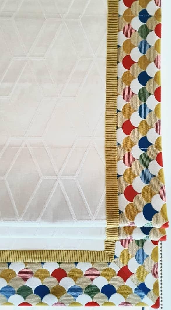 пошив римских штор с оригинальной каймой